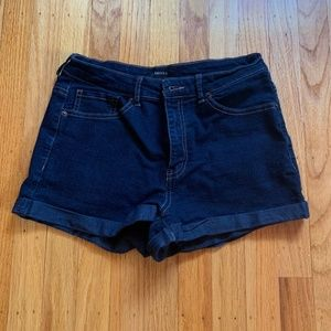 DARK WASH F21 DENIM HIGH-WAISTED SHORTS